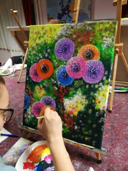 Pitypangok festés közben