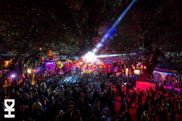 Desert Hearts Sprint 2015 Crowd At Night