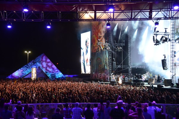 DEL MAR, CA - SEPTEMBER 20: VIP fans enjoy watching The Killers, the closing set of the 2015 KAABOO Del Mar at the Del Mar Fairgorunds on September 19, 2015 in Del Mar, California. (Photo by C Flanigan/WireImage for KAABOO Del Mar via imageSPACE)