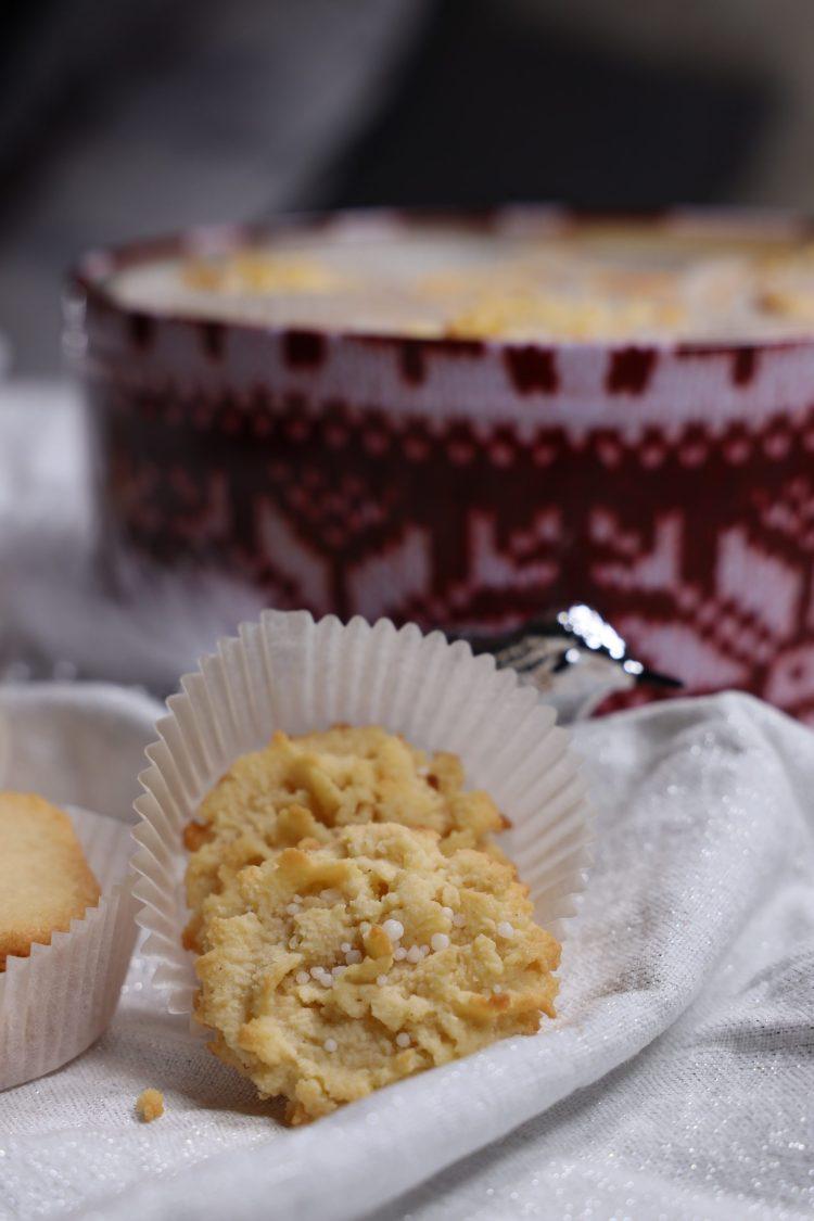 Danish Butter Cookies! (Danske Smørkjeks - Keto)
