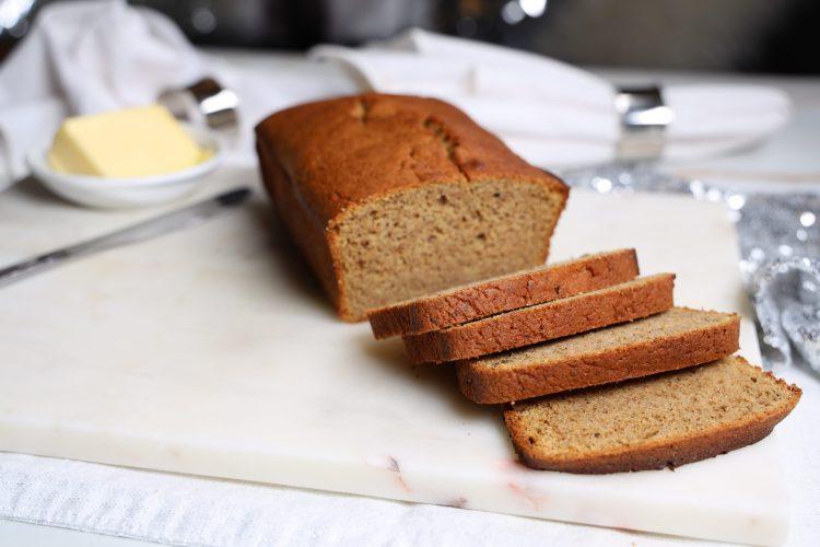 Ontbijtkoek - Nederlandsk Frokostkake (Keto, Sukkerfri)