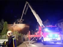 Zu einem Schwelbrand kam es am Mittwochabend in einer Tischlerei in Coswig. Die Kameraden der Freiwilligen Feuerwehren Coswig, Radebeul und Weinböhla konnten das Feuer löschen und somit die Tischlerei retten.