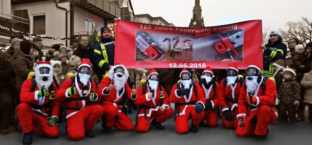 Weihnachtsmarkt Coswig – Tanz der Feuerwehrweihnachtsmänner