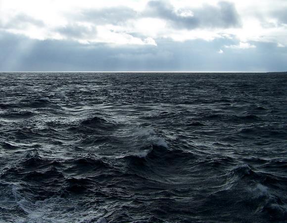 Choppy Seas - Orkney: Mike Sowden / Mikeachim, 2009