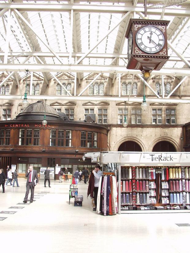 Fevered Mutterings Image - Glasgow Central Station, by Christophe Becker - Flickr