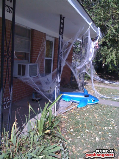 bad-halloween-decorations-8