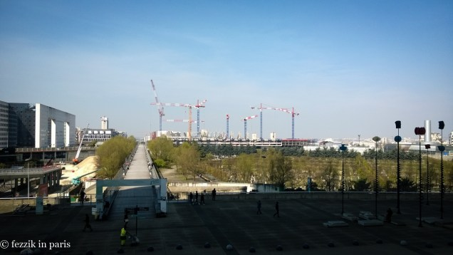 A stadium under construction on the Nanterre side of the arche.