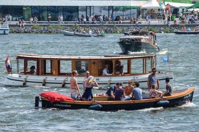 That boat has a bar. It's (theoretically [drinking and boating sounds like a recipe for disaster to someone with a very sensitive inner ear]) awesome.