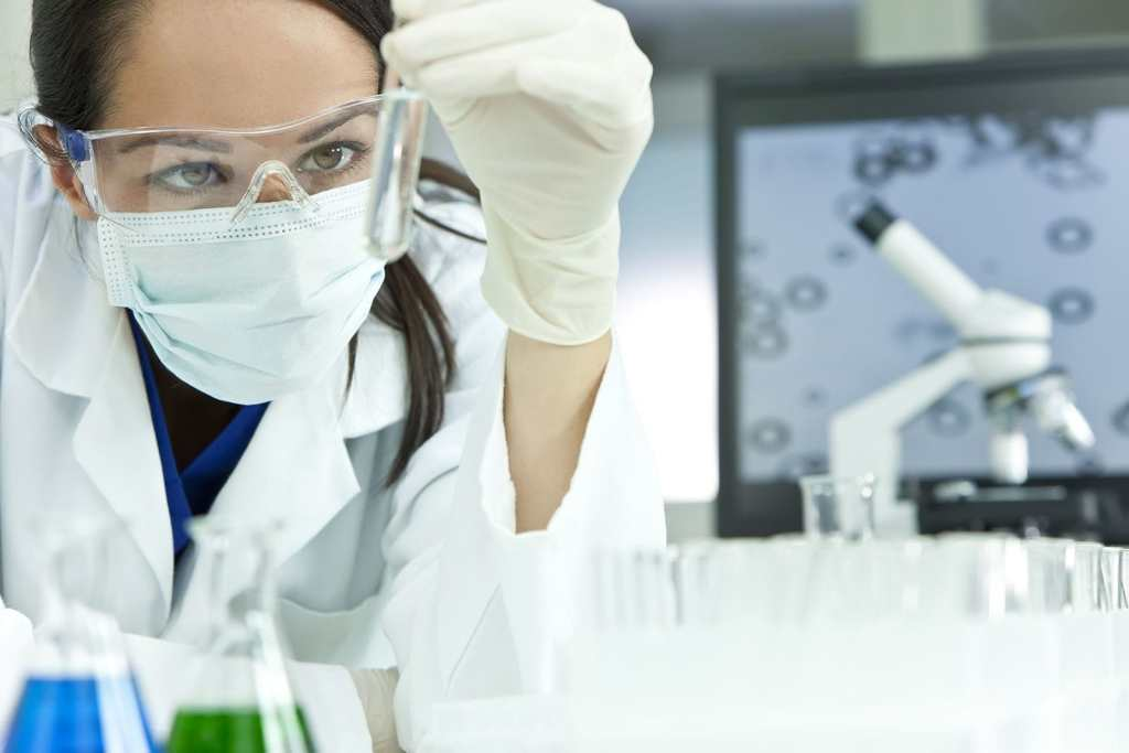 a lady in lab