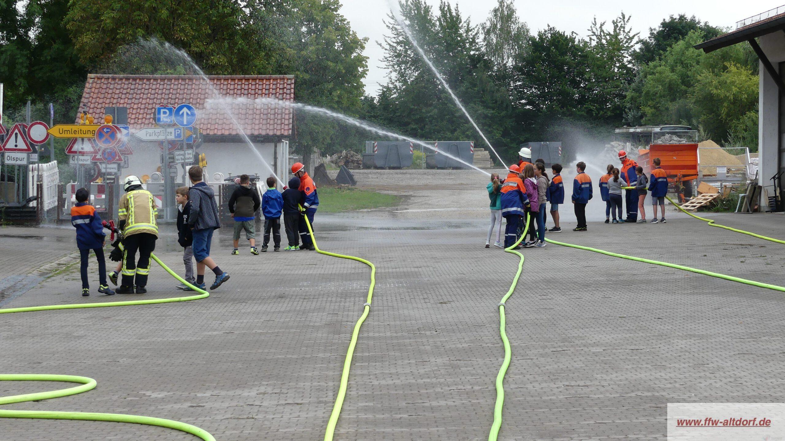 Spannung und Spaß bei der Altdorfer Feuerwehr