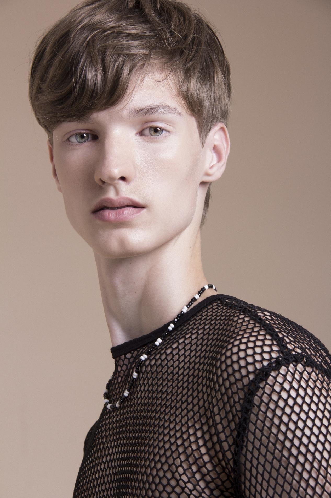 Frederico Bender é o menino dos olhos da Ford Models Brasil ©Land+Hugo
