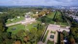 Restes du Château-Neuf transformé en observatoire (à gauche) et orangerie d'où partait la grande perspective