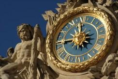 Hercule au repos, Horloge de la Cour de Marbre