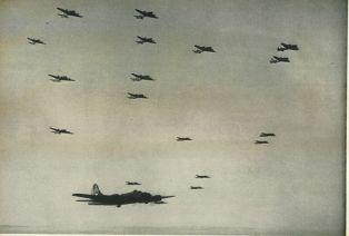 Amerikanische Bomber beim Anflug auf Stuttgart am 06.09.1943.