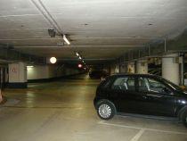 Blick in das Parkdeck, das im Krisenfall zum Bunker geworden wäre.