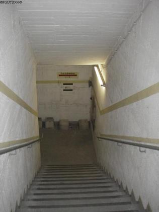 Treppenabgang im Untergeschoss.
