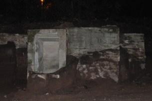 Ausgegrabener Bunker der Fa. Schaudt in Hedelfingen 2006. Frontalansicht von der Hedelfinger Straße her.