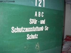 Spür- und Schutzausstattung gegen ABC-Verseuchung.