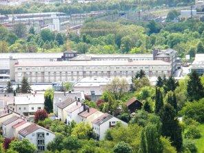 Industriegebiet Pragstraße (Polizeigebäude) und Bahnausbesserungswerk vom Turm aus gesehen.