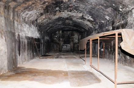 Die Kellerräume umfassten zwei unterirdische Stockwerke.