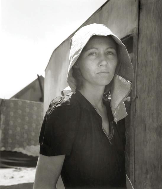 a migrant woman.