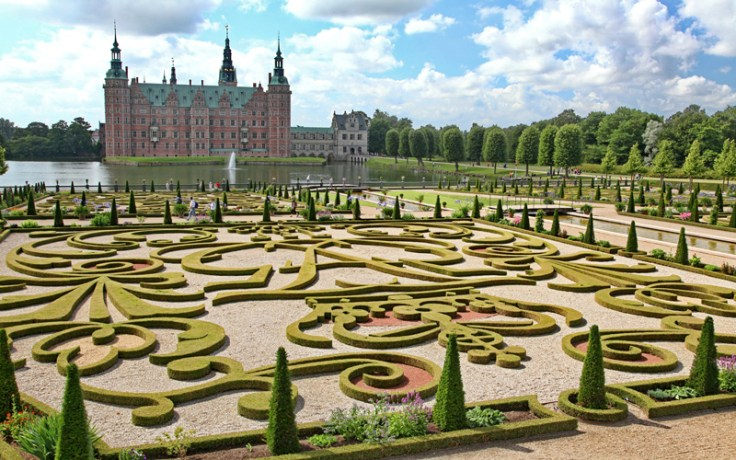 Frederiksborg Castle gardens