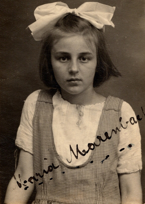 a young immigrant girl
