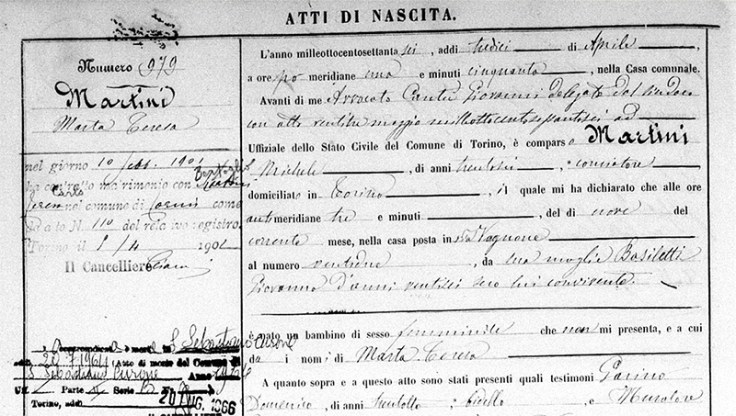 an archived italian birth record.