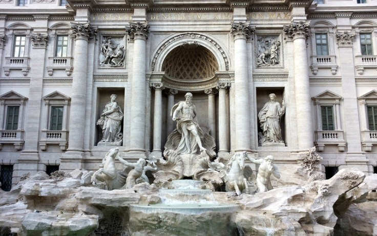 Trevi Fountain, one of the best places to go in Italy