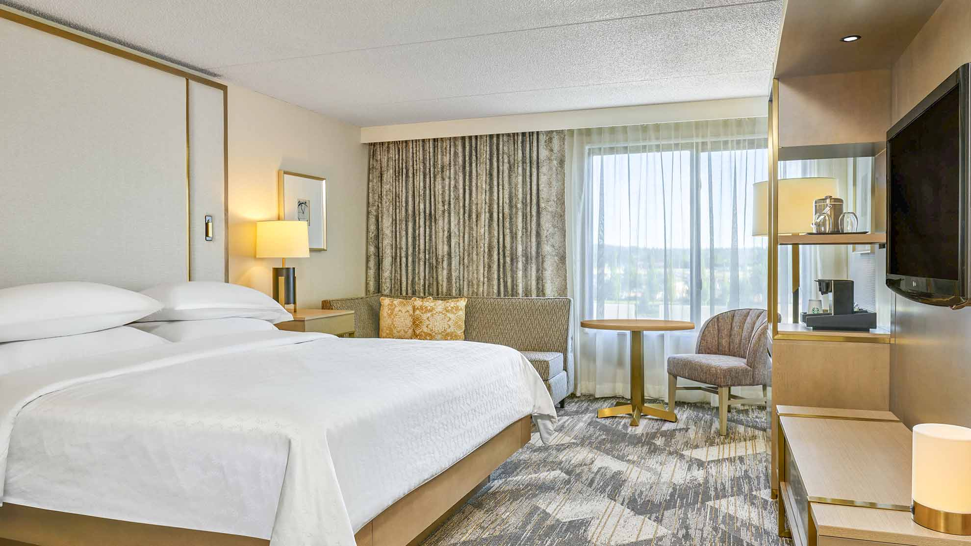 Hotel Bedroom Furniture For Business Travelers In