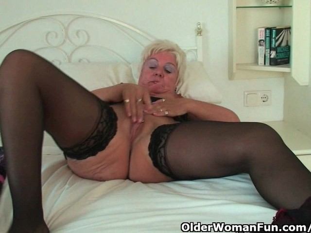 Curvy Granny In Black Stockings Rubs Her Old Clit Free Porn Videos Youporn