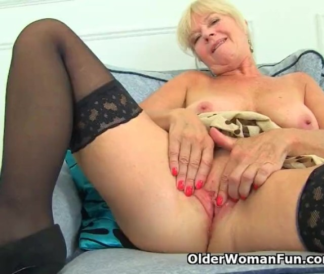 Uk Milf Sapphire Louise Gives Her Fanny A Good Finger Fuck Free Porn Videos Youporn