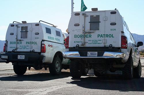 Arizona Border Control Vehicles - Photo: ThreadedThoughts/Flickr