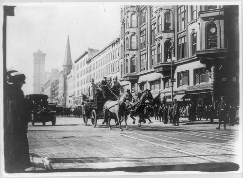 Horse-drawn fire department workers on the way to the Triangle Shirtwaist Factory (Photo: Library of Congress)