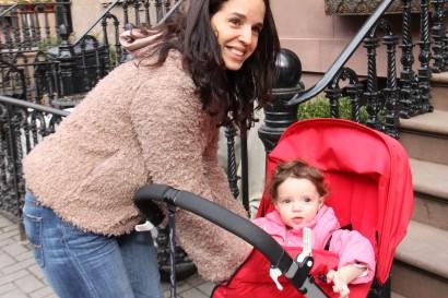 Luisa Palacios with her daughter Vanessa. (Photo: María Teresa Alzuru)