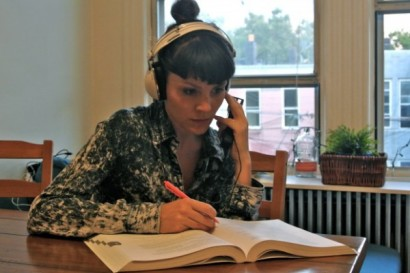 Sara Loscos working on an accent exercise. (Photo: Sara Loscos)
