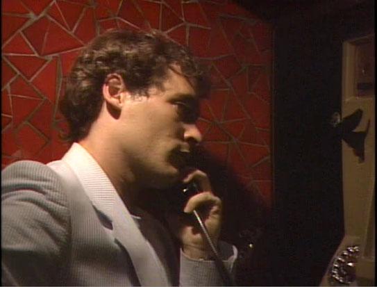 Robert au téléphone