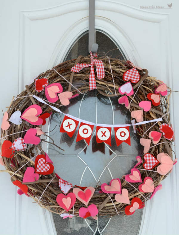 DIY Wreath for Valentines Day made with grapevine and hearts