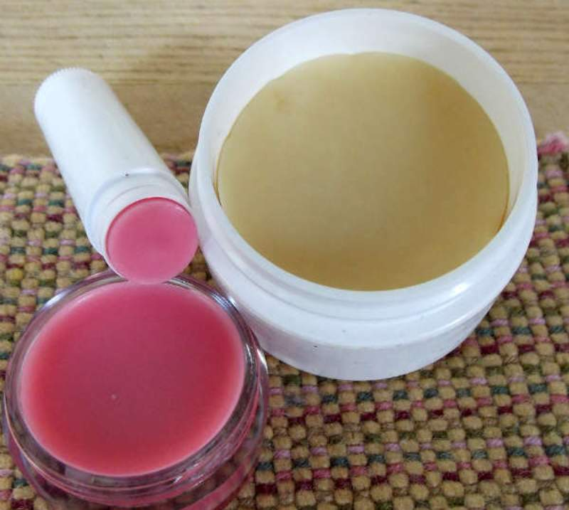 How to make your own lotion bar and lip balm