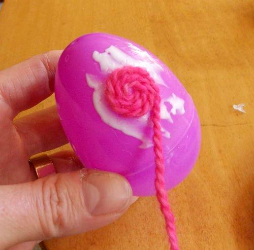 Yarn Wrapped Easter Eggs, a Fiberartsy.com tutorial