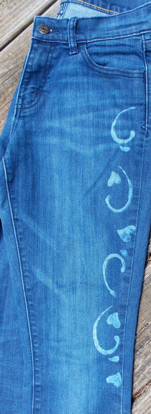 Decorate T Shirts and Blue Jeans with Bleach Pen