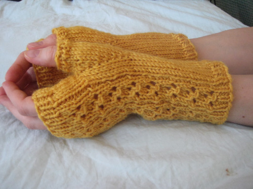 Free Knit Fingerless Glove Patterns