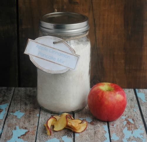 Pancake Mix in a Mason Jar Gift Idea