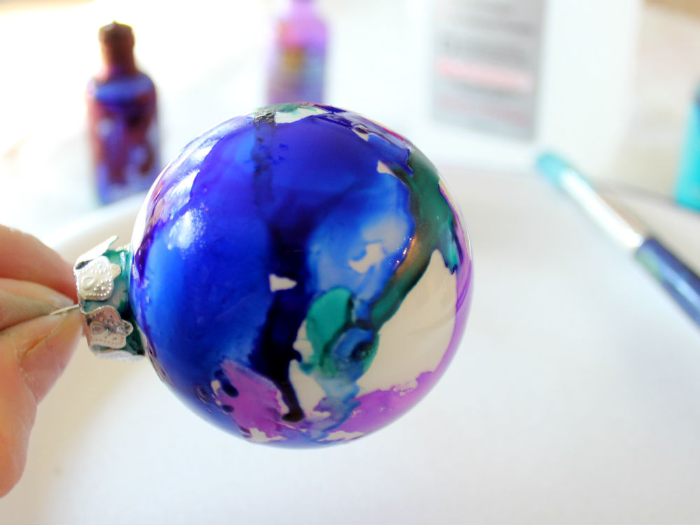 Painting Glass Ornaments with Alcohol Inks