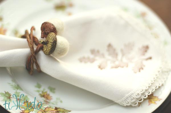 DIY Felt Acorn Napkin Rings for your Thanksgiving Table