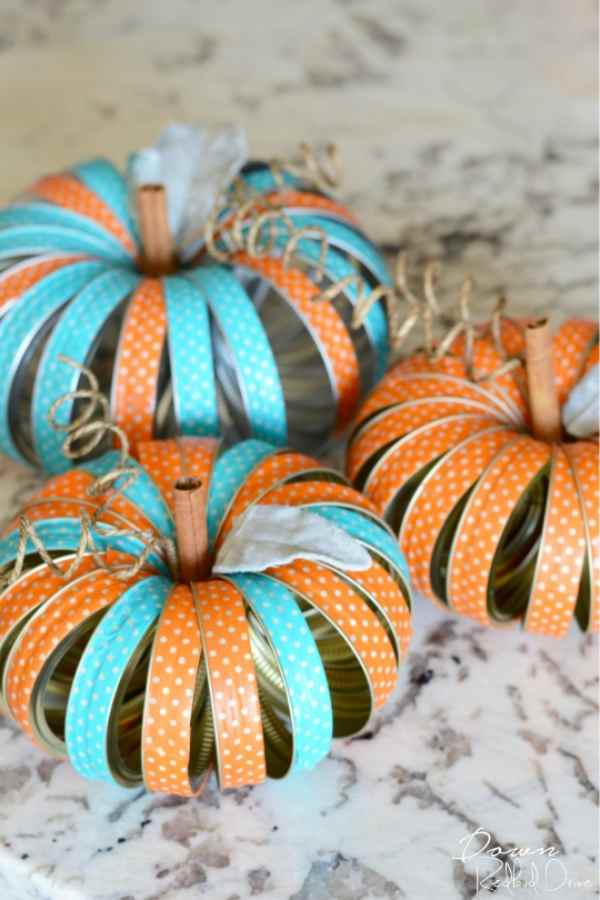 Mason Jar Lid Fall Pumpkins - Fall Table Decorations