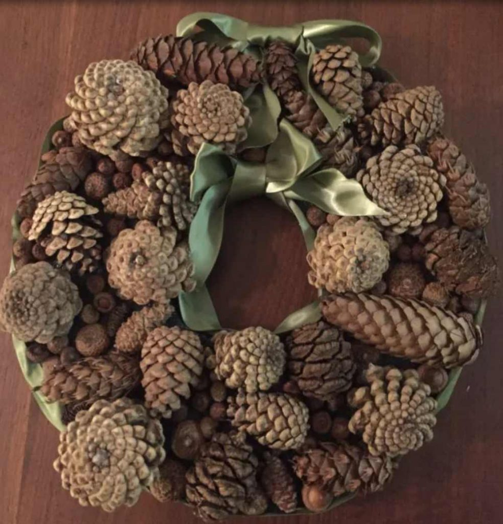Upcycled pinecone holiday wreath idea