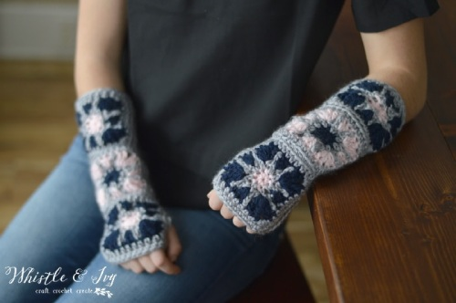 Armwarmers crocheted with starburst granny squares