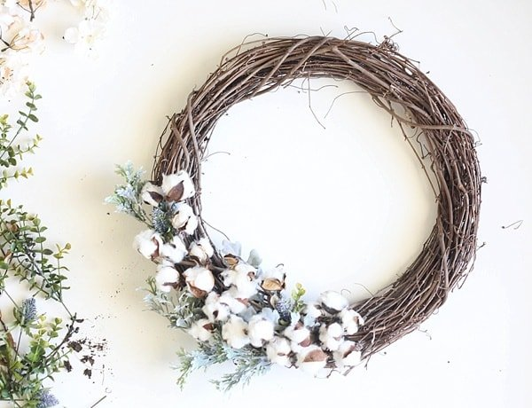 DIY Fall Grapevine Wreath Idea