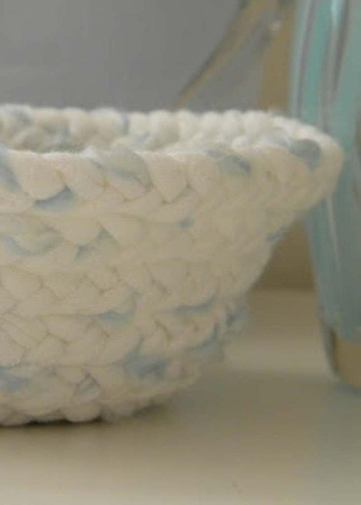 Braided cotton t shirt Basket
